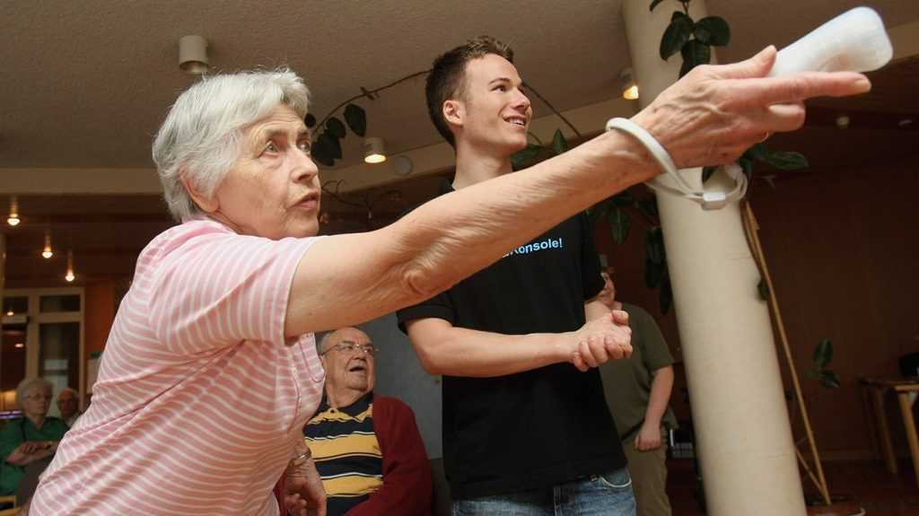 Pilot study finds 'exergaming' may improve dementia symptoms