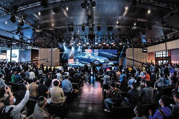 Shanghai Motor Show a Battleground for Electric Cars