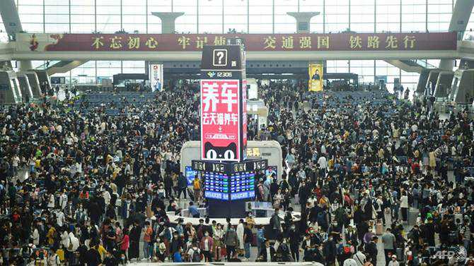 China Labour Day travel rush gives glimpse of life after COVID-19
