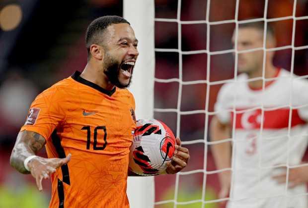 Memphis Hat-Trick Leads Van Gaal's Dutch To Big Win